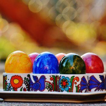 petele de vopsea de oua